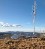 The San Carlos Apache Tribe is making use of its extensive solar resources to power tribal facilities, including this 10-kilowatt (kW) solar PV system, which generates energy to run the tribal radio tower. Photo from San Carlos Apache Tribe, NREL 29202