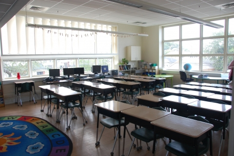 Image of fixed blinds in a classroom at Andrew Wilson Elementary School in New Orleans, LA.