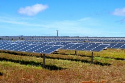 The 1.2-megawatt La Ola solar photovoltaic power plant on the Hawaiian island of Lanai. | <em>Photo by Jamie Keller/NREL</em>