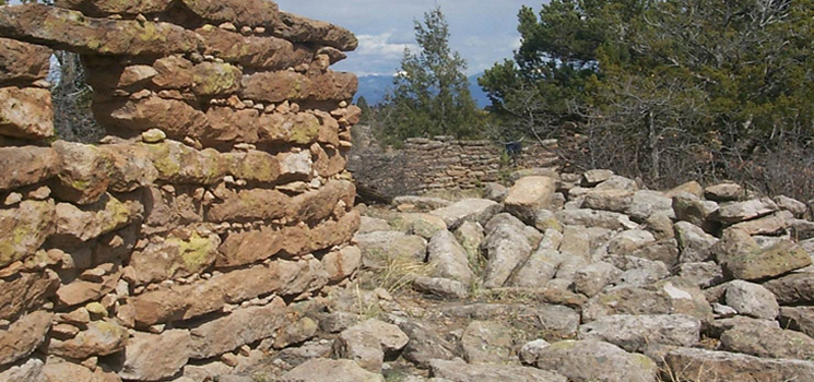 Nake'muu Ruin at Los Alamos National Laboratory (LANL) is one of the best-preserved ruins on the Pajarito Plateau and is the only ancestral pueblo at LANL that still retains its standing walls.